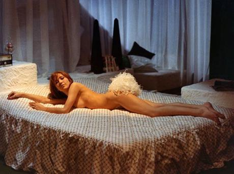 Vedo nudo di Dino Risi, con Nino Manfredi: un film profetico che annunciava la degenerazione contemporanea dello sguardo