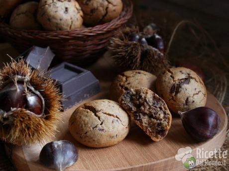 Cookies con farina di castagne e gocce di cioccolato