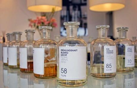 Profumi personalizzati - Frau Tonis e la fragranza di una storia d'amore 7