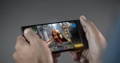 Razer Phone presentato ufficialmente: display a 120 Hz e 8 GB di RAM