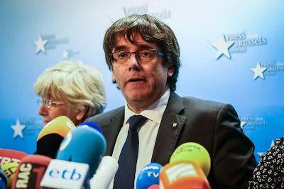 Spagna, la procura chiede mandato d'arresto europeo per Puigdemont
