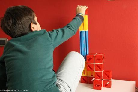 Cuboga. Un gioco di costruzioni che stimola la logica