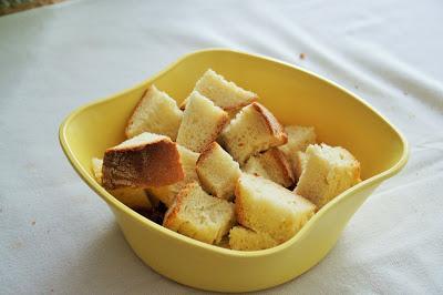 Polpette di pane in brodo vegetale