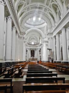 La Basilica dello Spirito Santo, tempio della spiritualità a Napoli