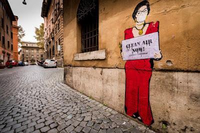 Titti, Fellini, Loren, Pasolini, Papa Francesco: la street art di Roma contro l'inquinamento da diesel