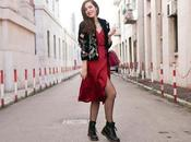 Vestito rosso seta Martens: un'altra