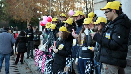 Attività dei volontari: coordinamento dei partecipanti al flash Mob