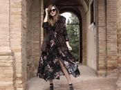Maxi dress fiori gilet pelliccia