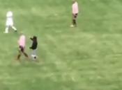 Bari-Palermo: Video irruzione campo della curva schiaffo giocatore palermo