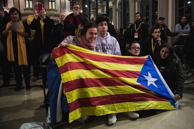 Elezioni in Catalogna, gli indipendentisti ottengono la maggioranza assoluta