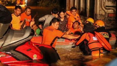 Oltre 200 persone sono morte per una tempesta tropicale nelle Filippine