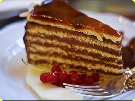 Raccolta di Ricette Dolci e Dessert di Natale, tantissimi dessert facili e gustosi.