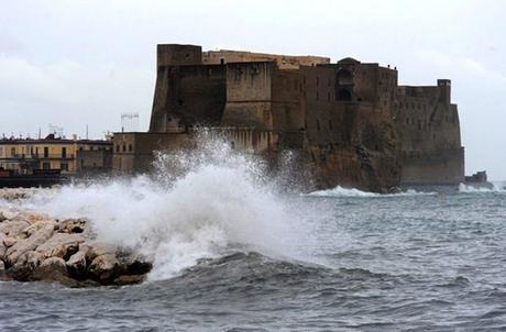 Prorogata l'allerta meteo in Campania: venti forti e temporali per altre 24 ore