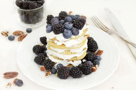 Pancake al Grano Saraceno, crema di Ricotta e Miele e Frutti di Bosco