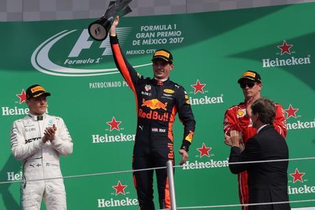 F1 | Horner: Verstappen può diventare una guida per il team