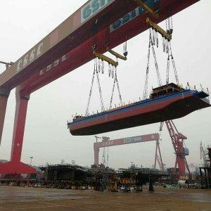 Cina: Nato il primo cargo navale elettrico!