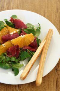 bresaolina-di-capriolo-con-arance-e-pistacchi