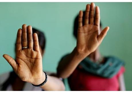 Risultati immagini per traffico di esseri umani in africa