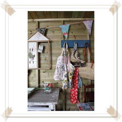 A dreamy summerhouse for a craft room paperblog for Appello di marciapiede cottage