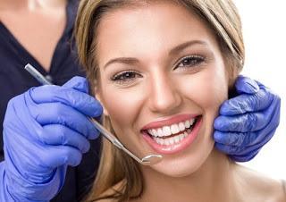Un materiale 'intelligente' per otturare i denti che riduce il rischio carie.