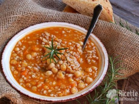 Zuppa di zucca e ceci invernale