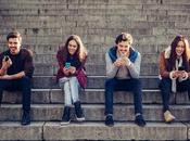 Fermi tutti, abbiamo sbagliato: social media rovinano relazioni