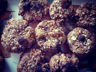 OAT AND PLUM COOKIES