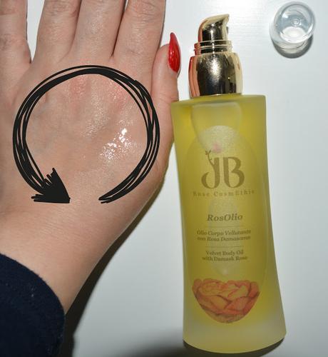 Come avere una pelle idratata e sana grazie ai cosmetici naturali a base di estratti di Rosa Damascena.