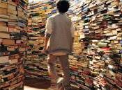Quali libri potrebbero proprio mancare nella vostra libreria?