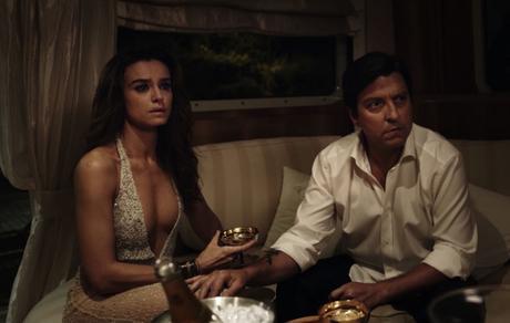 Loro 1: il Duchamp del nostro cinema ha fatto dell'orinatoio Italia un perfetto ready made