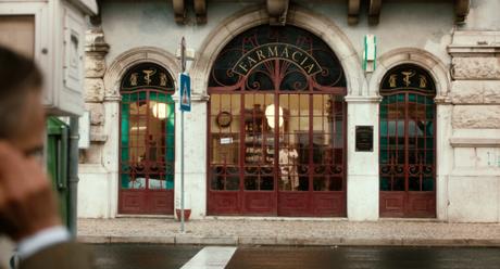 A Lisbona l'aperitivo si beve al bancone frequentato da Fernando Pessoa