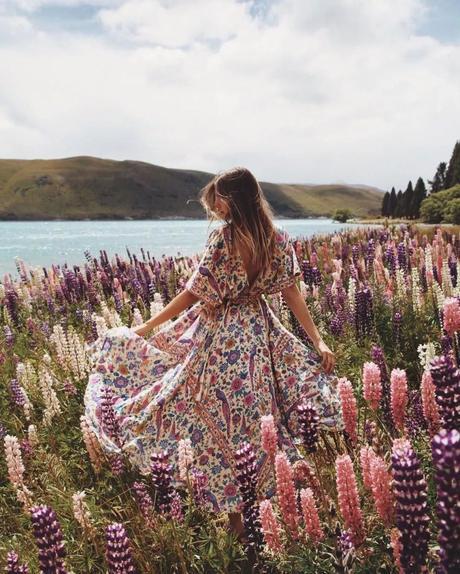 Comodo e primaverile: l'abito midi e maxi a fiori