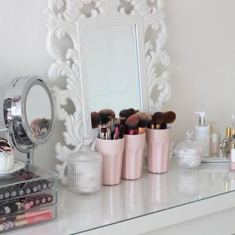 Trucchi e cosmetici: come tenerli in ordine e capire quando sostituirli