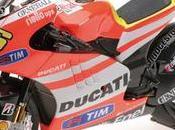 Ducati Desmosedici GP11.2 Team MotoGP 2011 Minichamps