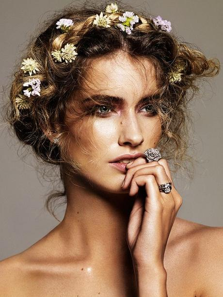 BEAUTY: The New Floral Hairstyles For Spring 2018