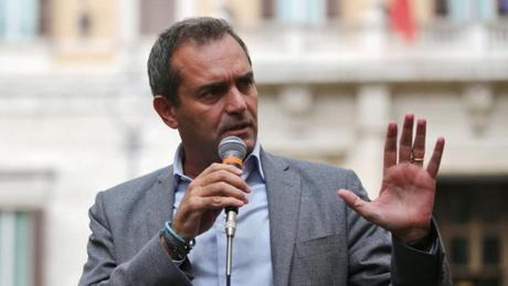 """De Magistris su Aquarius: """"Vergogna far morire persone in mare. Napoli accoglierà"""""""