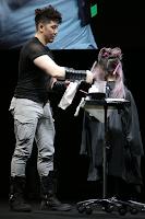 Tang: Teatro Nazionale Milano presentare