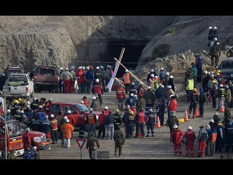 Risultati immagini per crollo nella miniera in Zambia