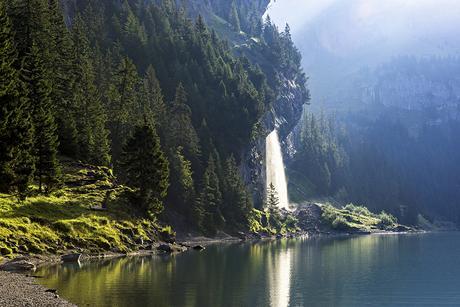 Il lago di Oeschinen