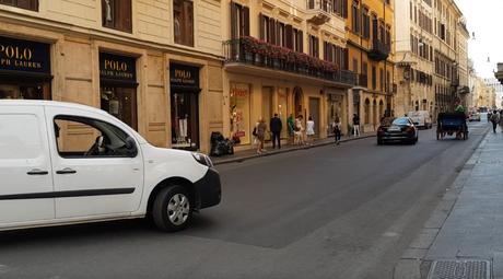 Video. Prova su strada della nuova pedonalizzazione di Via del Corso
