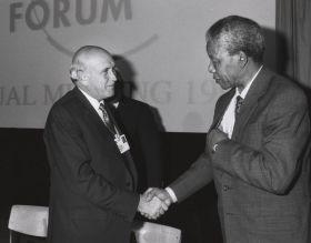 """Il sogno di Mandela è svanito: la """"Nazione Arcobaleno"""" non c'è più"""