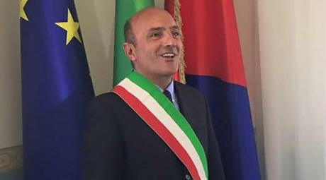 Ezio Scida: il sindaco Pugliese ordina lo smontaggio delle parti amovibili