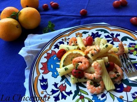 Pasta fredda con gamberetti, pomodorini ed arancia