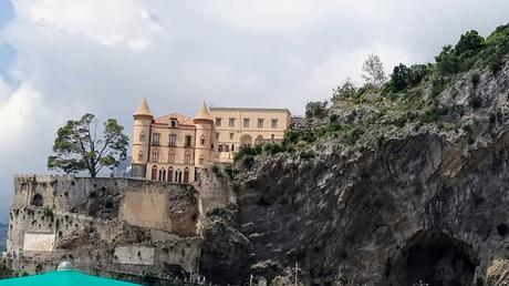 🚘Maiori, centro turistico campano Patrimonio dell'Unesco