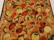 Focaccia morbida alla crusca zucchine pomodorini