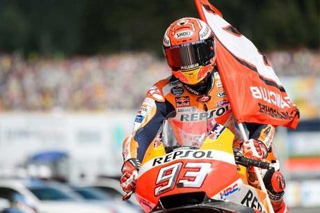 MotoGP, Marc Marquez aggancia Max Biaggi: 111 podi in carriera