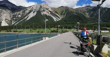 Bicicletta con bambini in Val Venosta: il lago di Resia