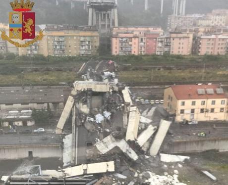 """Niente funerali di Stato per le vittime di Torre del Greco: """"Non vogliamo la farsa"""""""