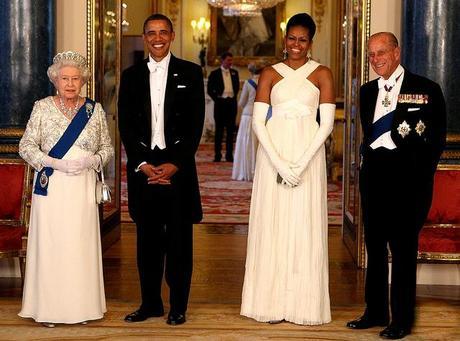 Barack & Michelle Obama in Tom Ford dalla Regina ...