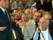 Silvio Berlusconi indagato abuso potere.